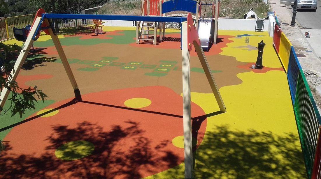 Pavimento de caucho continuo en Cadiz