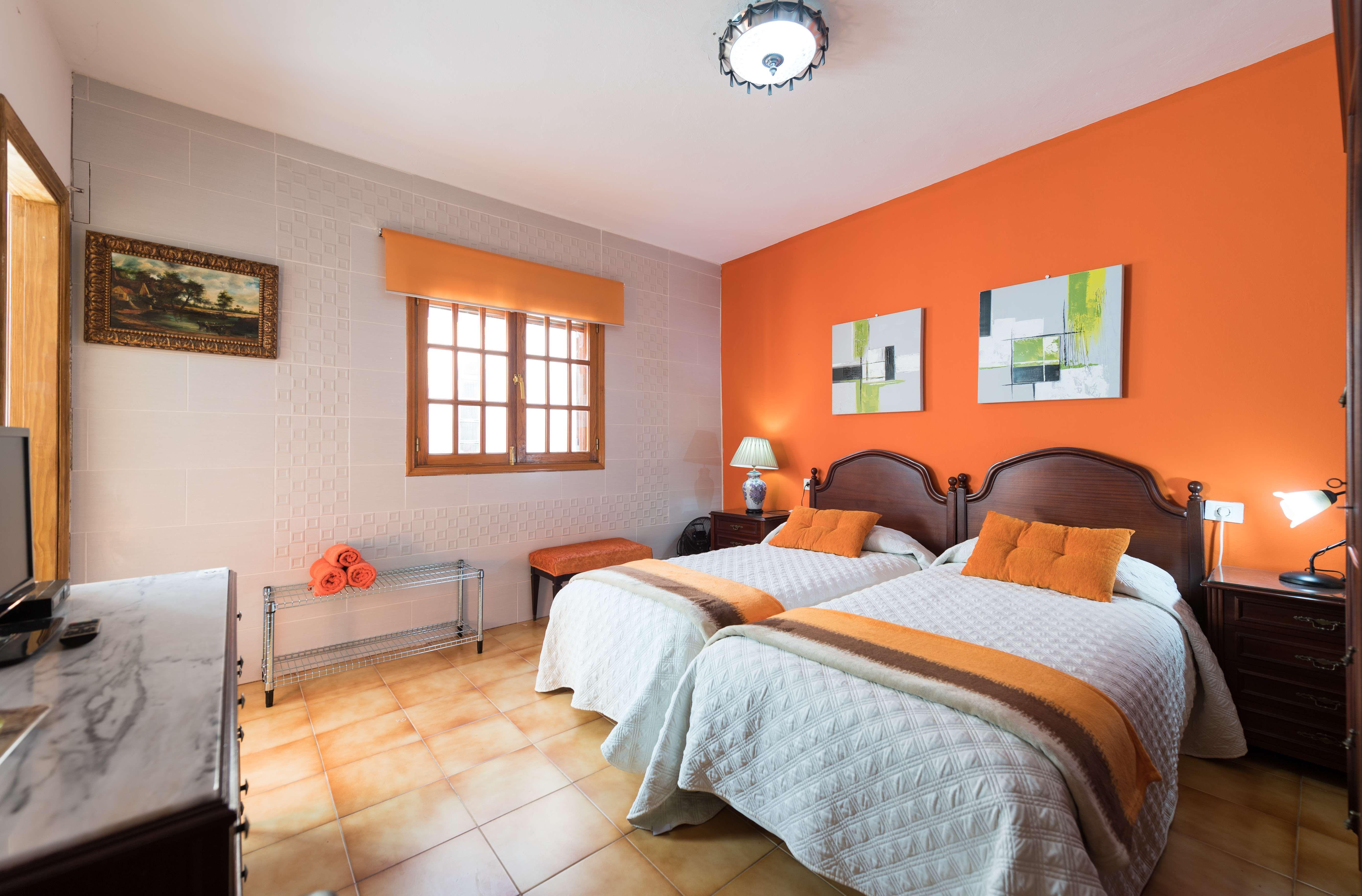 Casa Elisa. Habitación con 2 camas