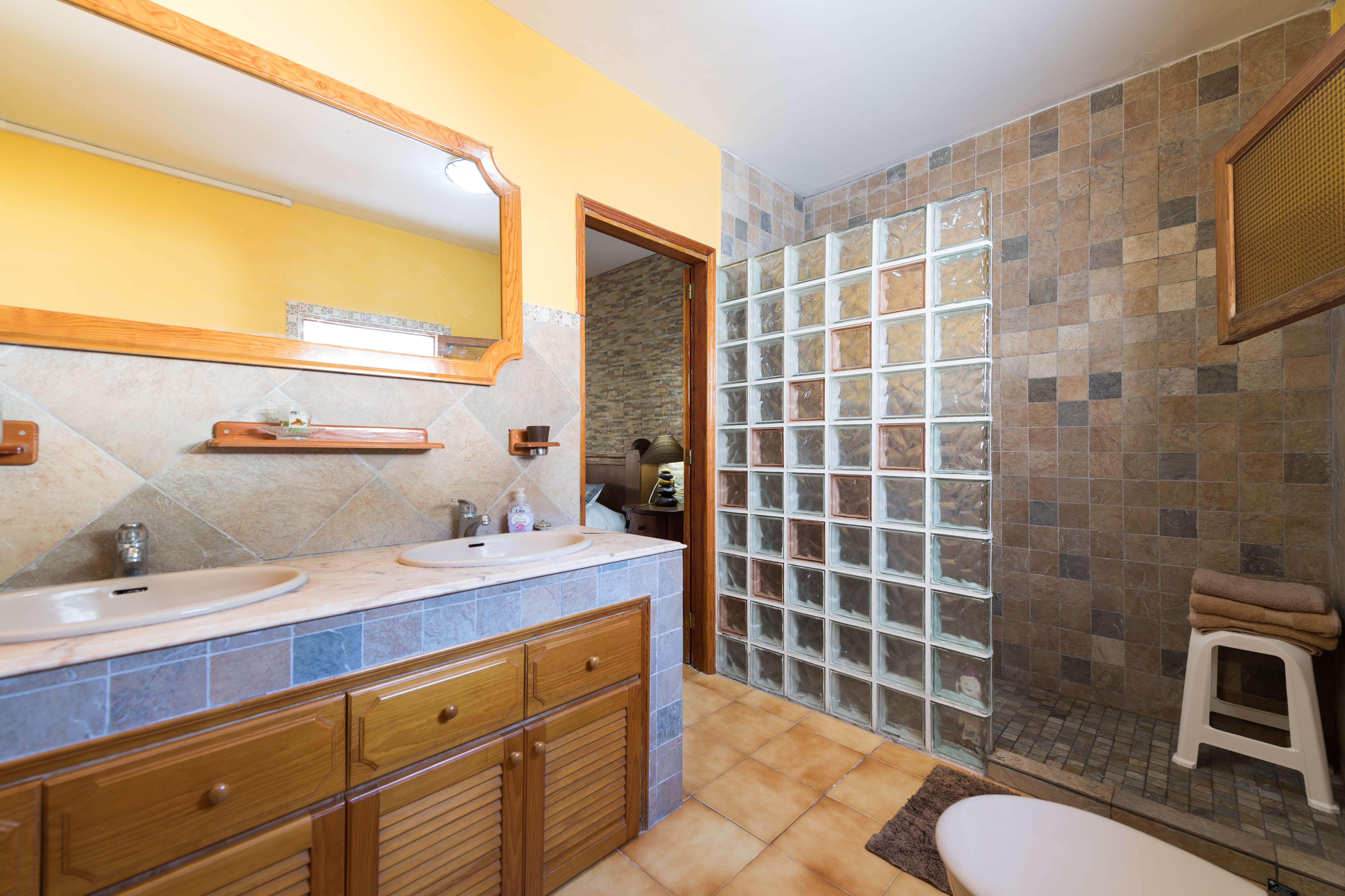 3 dormitorios con baño interior