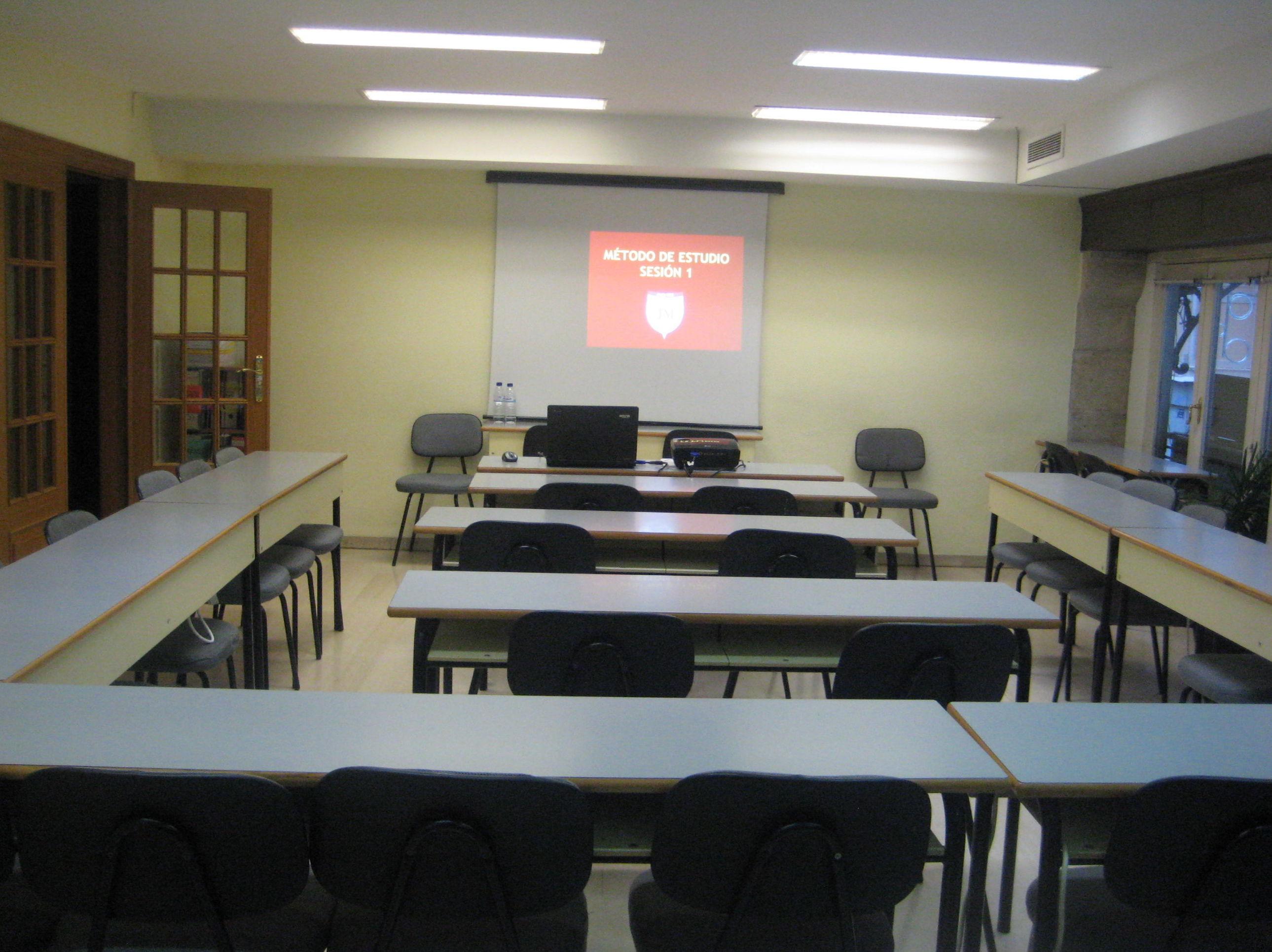 Alquiler aulas en el centro de Valencia: calle de La Paz. INSTITUTO JM. VALENCIA