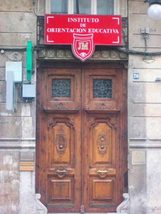Academia en el centro de Valencia: INSTITUTO DE ORIENTACIÓN EDUCATIVA JM. VALENCIA