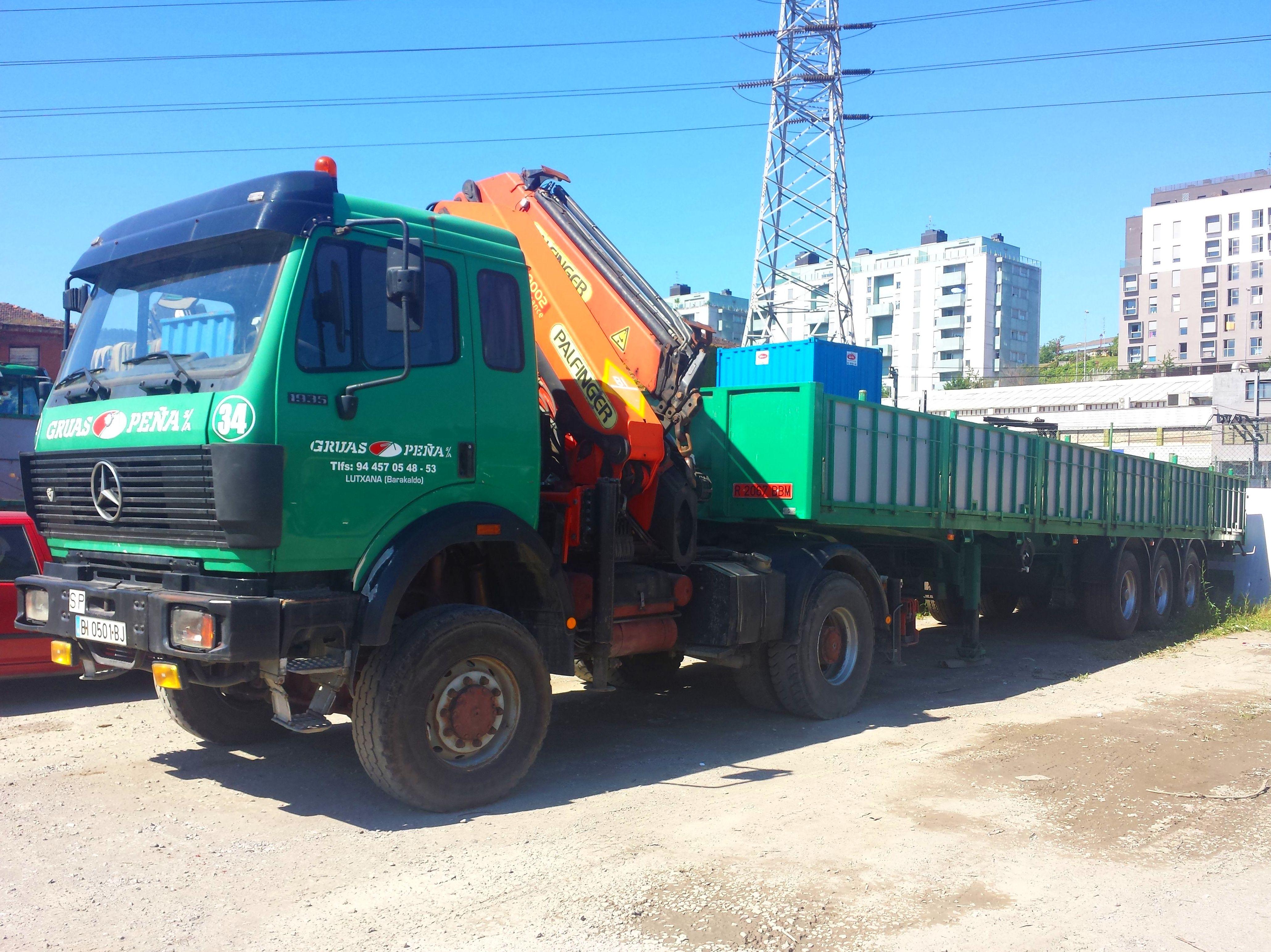 Foto 15 de Alquiler de camiones con grúa en Barakaldo | Camiones con Grúas Peña