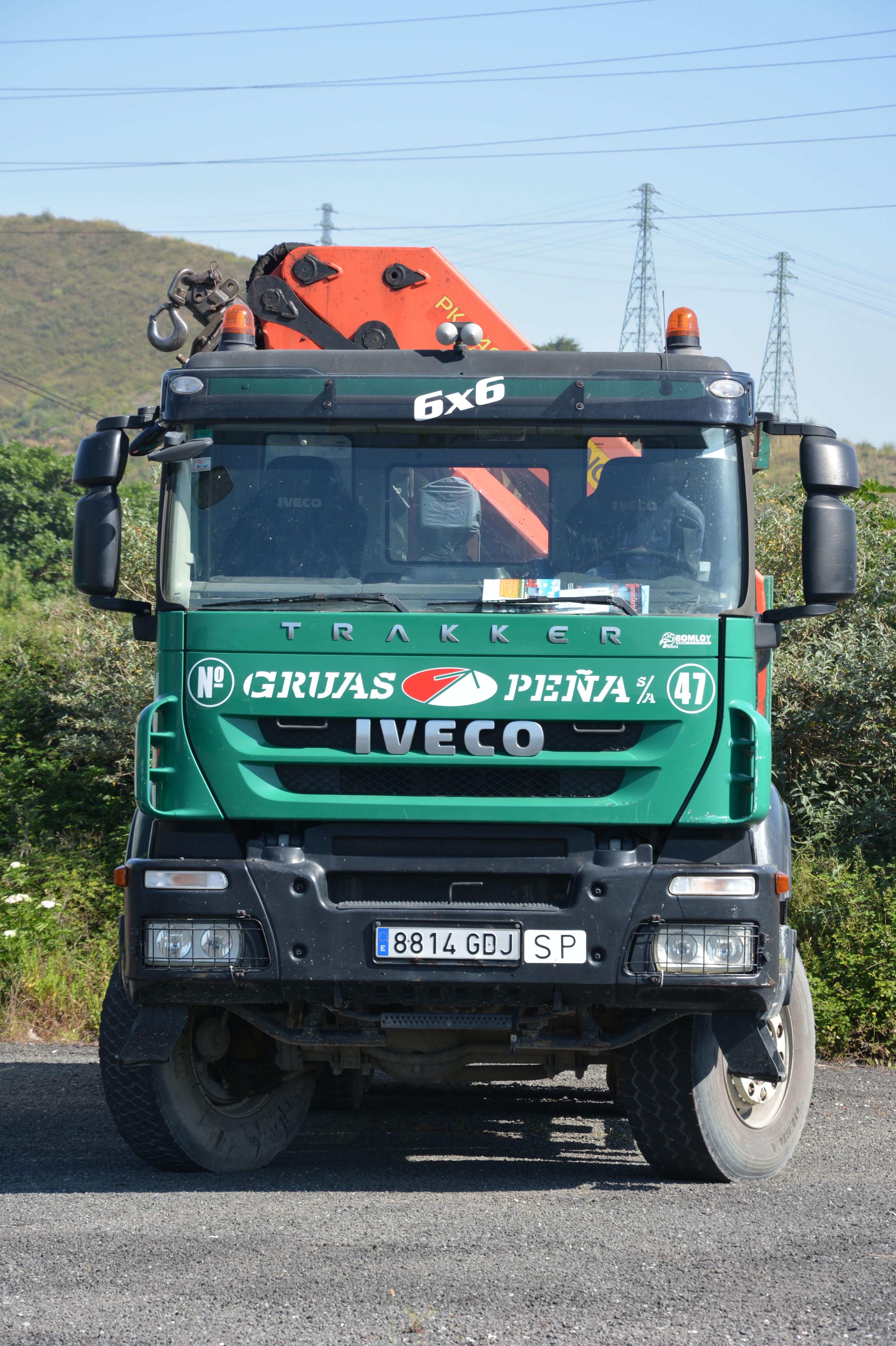 Foto 13 de Alquiler de camiones con grúa en Barakaldo | Camiones con Grúas Peña