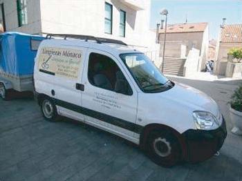 Foto 2 de Limpieza (empresas) en Santiago de Compostela | Limpiezas Mónaco