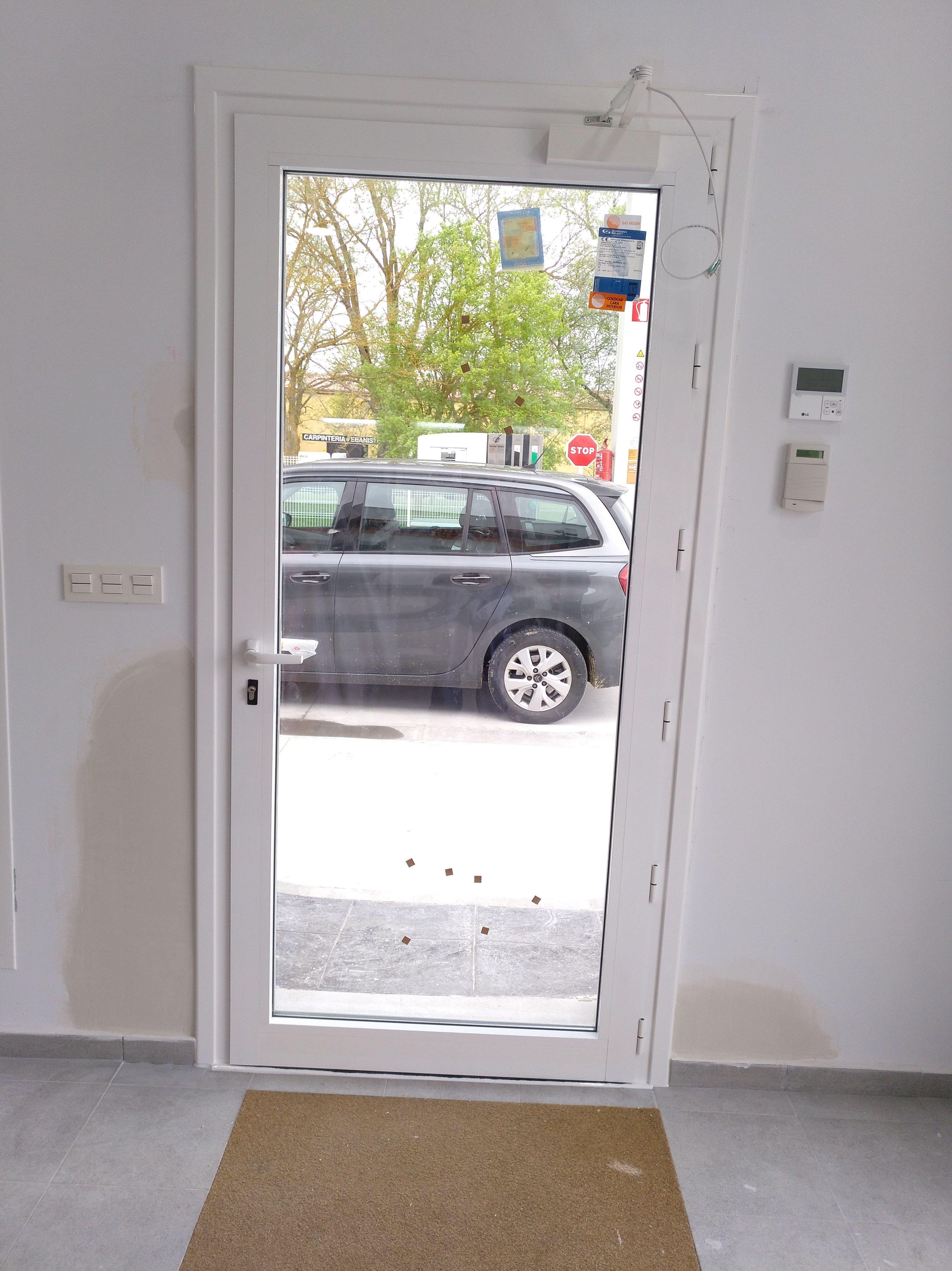 Foto 5 de Carpintería de aluminio, metálica y PVC en Vitoria-Gasteiz | Zurgal Aluminios, S.L.
