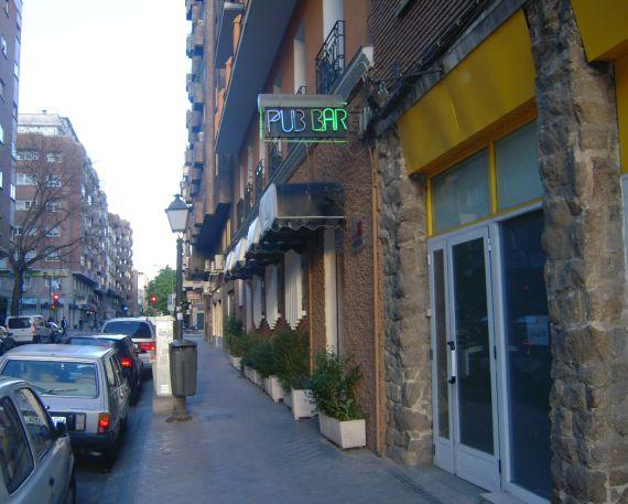 Foto 1 de Pubs y bares de copas en Madrid | Akhes Bar de Copas y Coktelería desde 1988