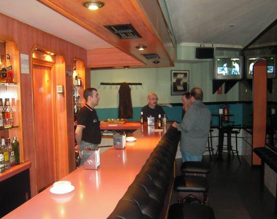 Foto 4 de Pubs y bares de copas en Madrid | Akhes Bar de Copas y Coktelería desde 1988