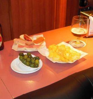 Pinchos y Canapés: Servicios de Akhes Bar de Copas y Coktelería desde 1988