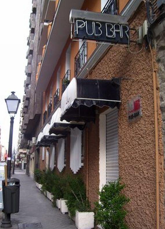 Foto 9 de Pubs y bares de copas en Madrid | Akhes Bar de Copas y Coktelería desde 1988