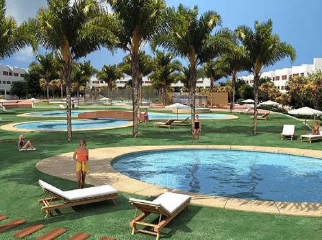jardin piscina, pozo de agua alicante