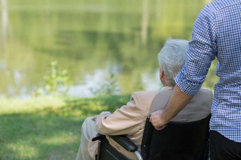 Cuidado de personas mayores y dependientes en Pamplona