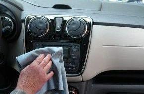 Cómo limpiar los revestimientos del coche