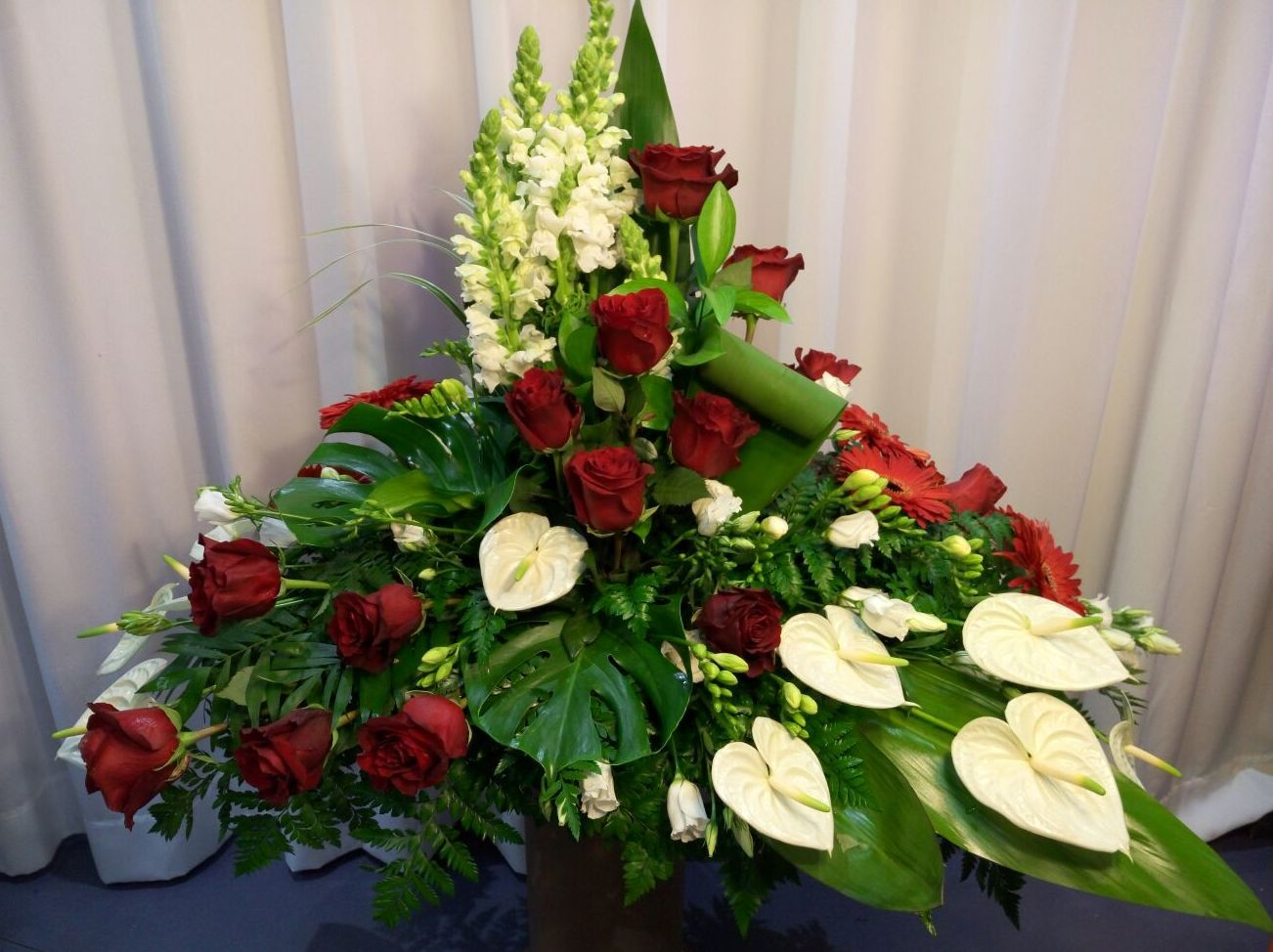 Centros de flores personalizados A Coruña. MAndragora Floristería