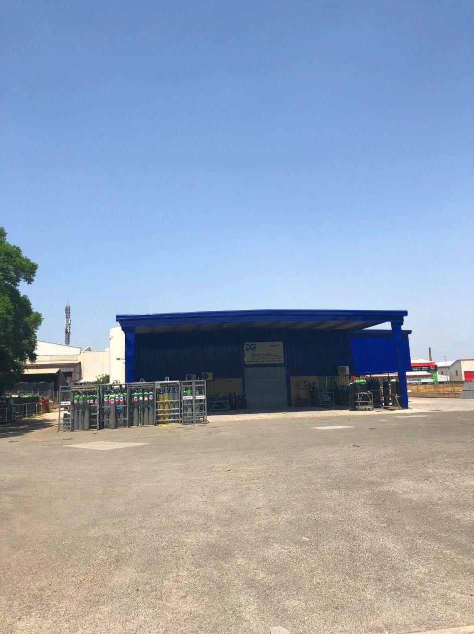 Foto 1 de Venta y distribución de gases industriales y alimentarios en San Ginés | Disgasin, S.L.