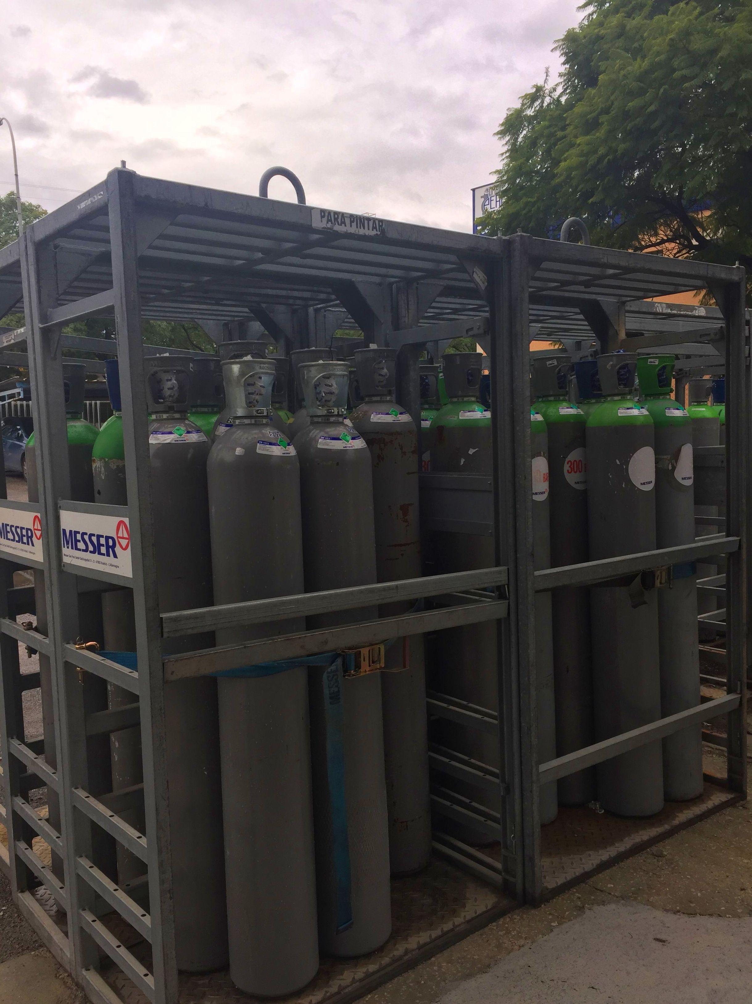 Foto 16 de Venta y distribución de gases industriales y alimentarios en San Ginés | Disgasin, S.L.
