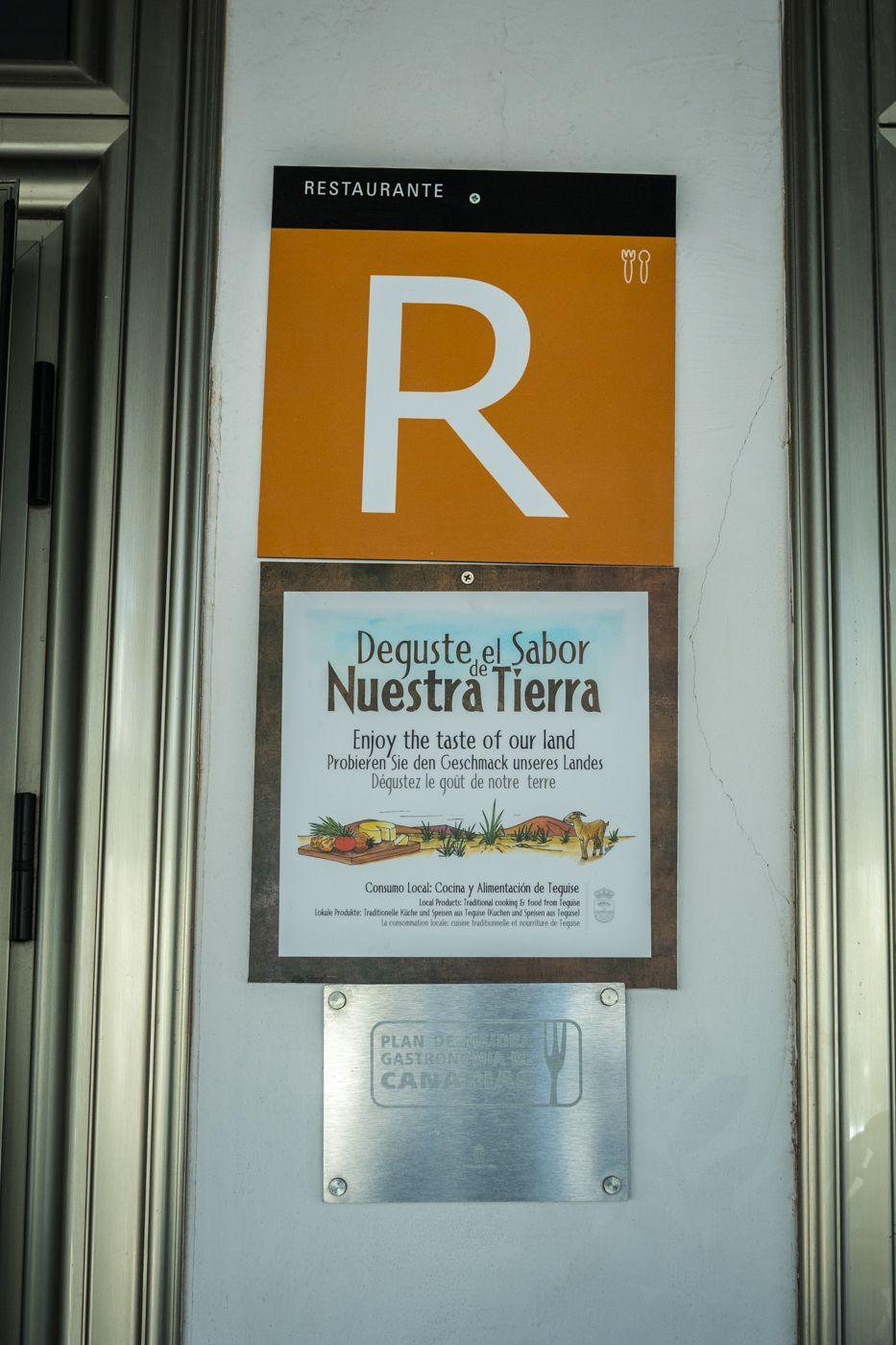 Cartel a la entrada