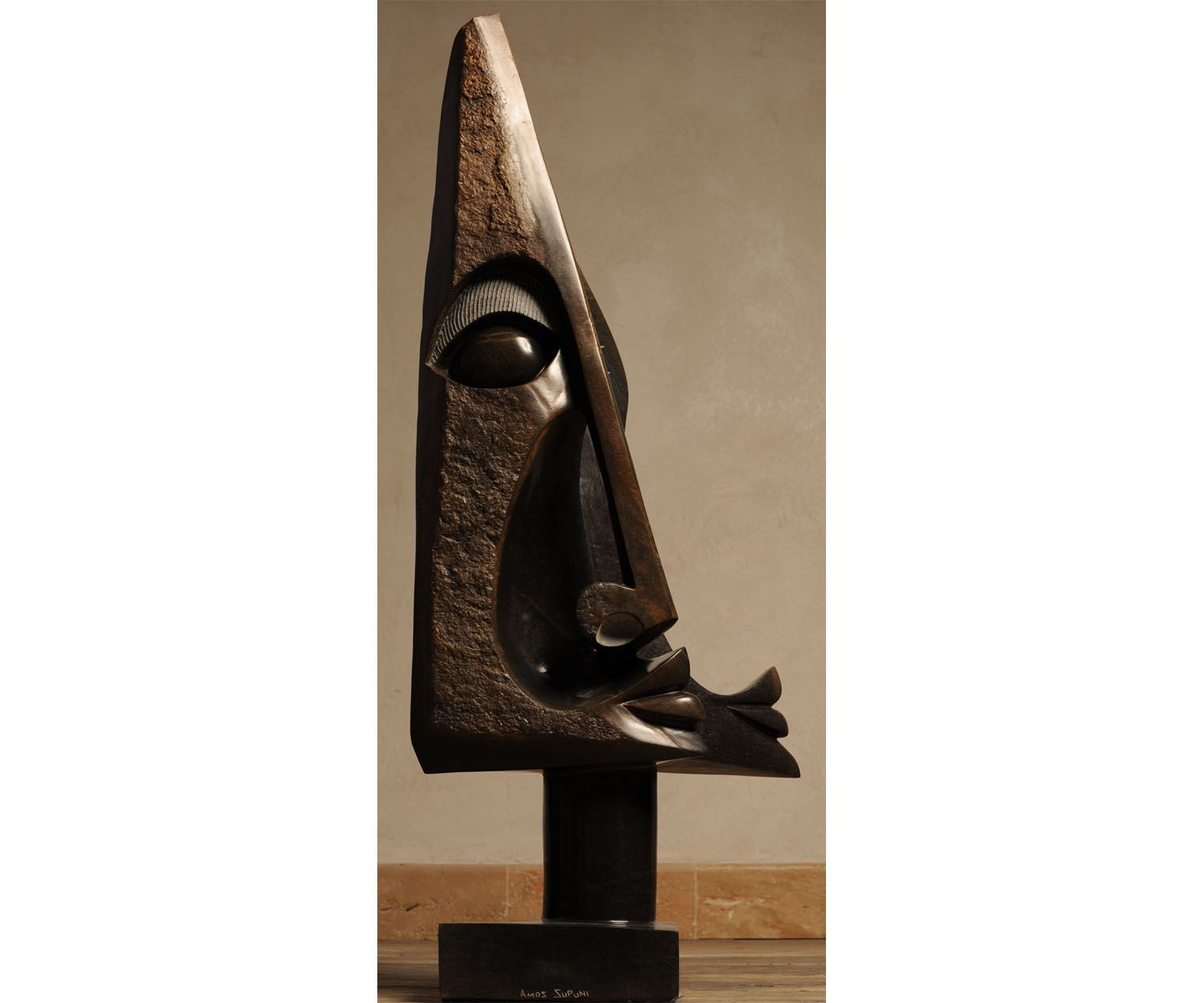 Two Faces Totem, 115 X 51 cm. Amos Supuni
