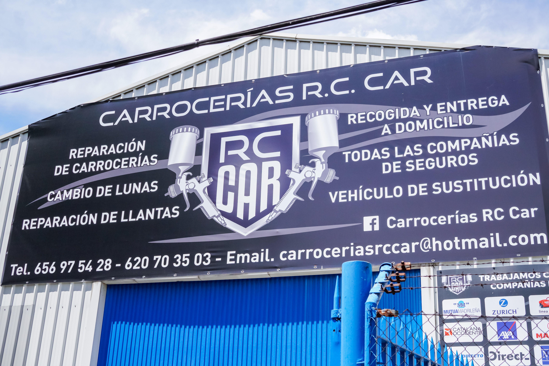 Cartel publicitario fachada CARROCERÍAS RC CAR