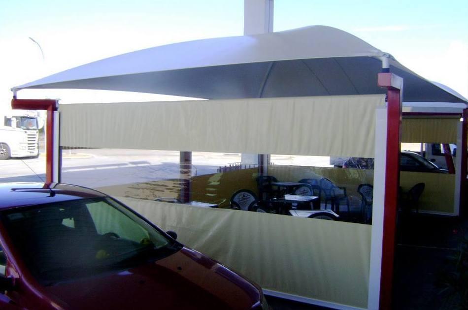 Instalación de carpas ignífugas e impermeables