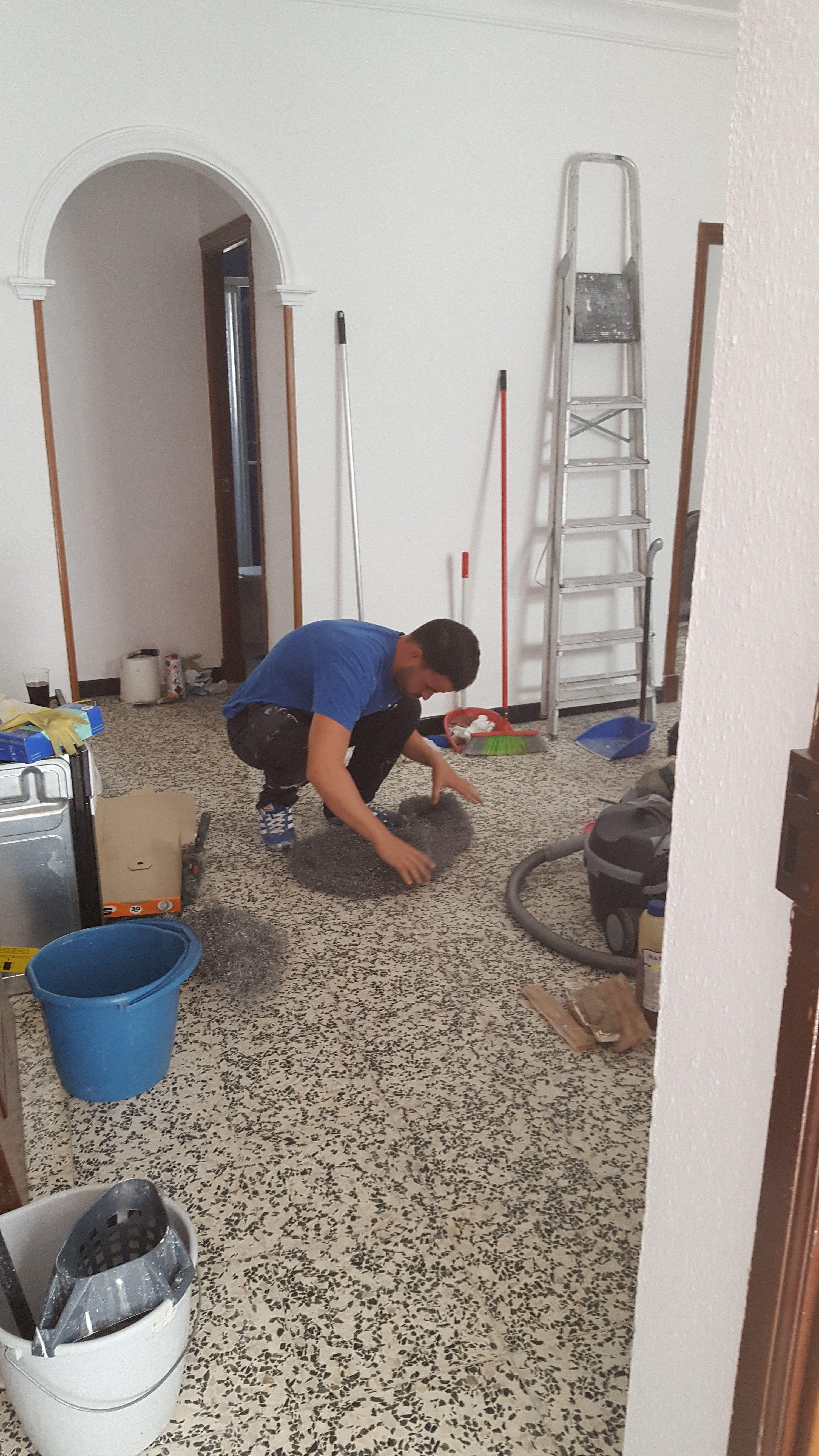 Tratamiento de suelos: Servicios de Limpiezas Unika
