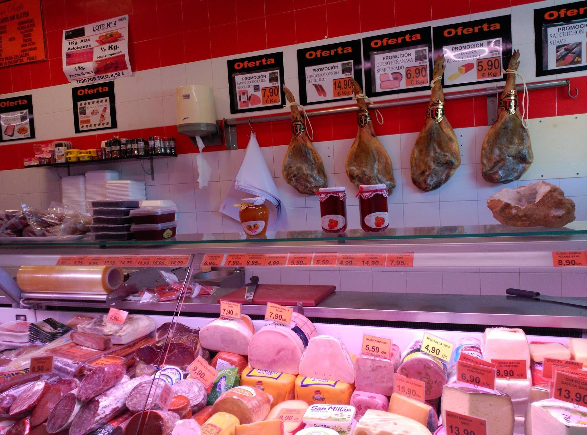 Bandejas de embutidos ibéricos y quesos: Productos de Casa Rafa Carnicería Charcutería