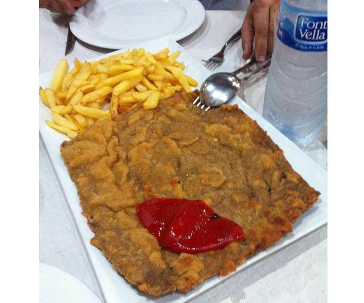 Bocadillos y platos combinados