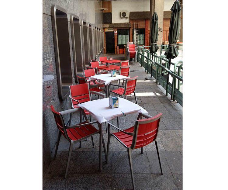 Bar con terraza