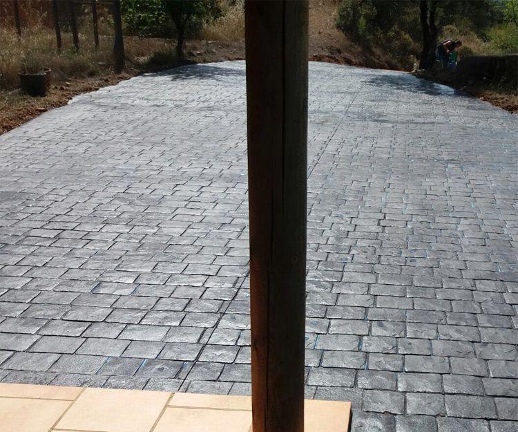 Instalación de pavimento impreso en viviendas