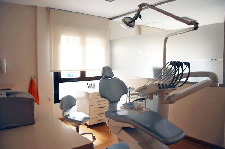 Centro de Especialidades Odontológicas en Baza - Tratamiento odontológico integral