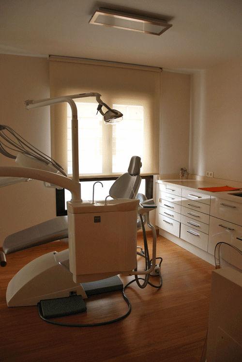 Centro de Especialidades Odontológicas en Baza - Implantes