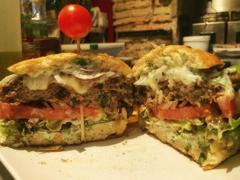 Hamburguesa en nuestro restaurante argentino en Málaga