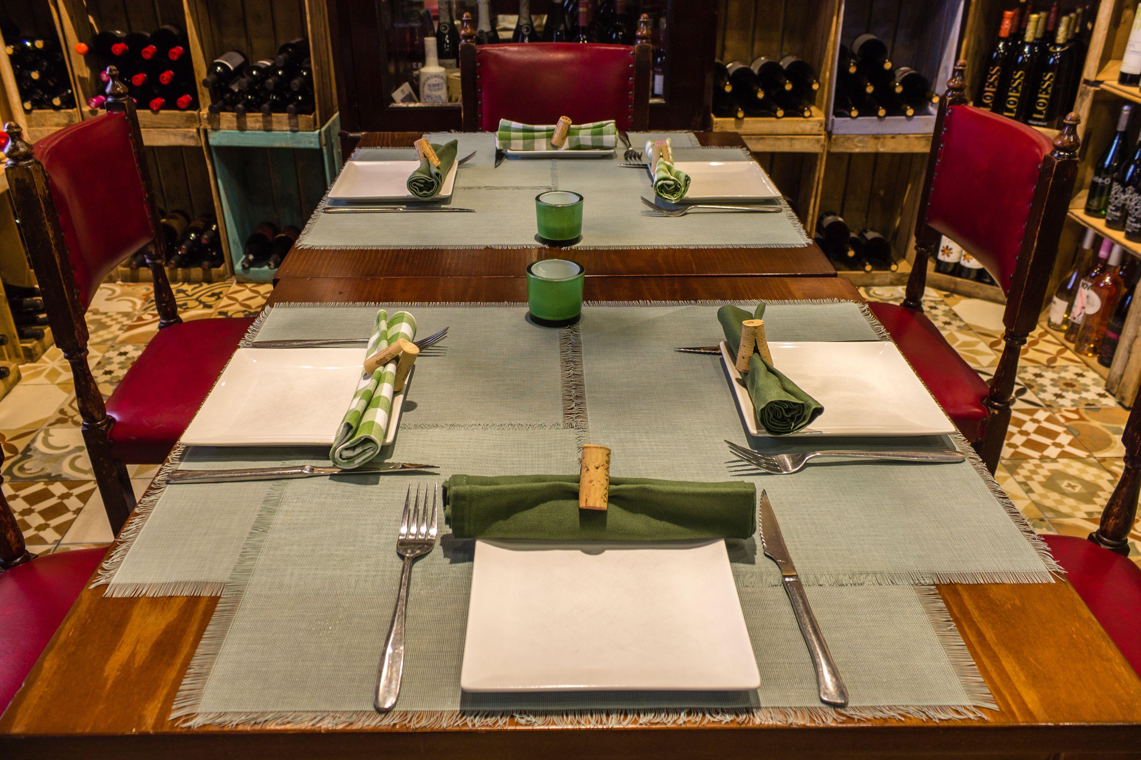 Mesa del comedor principal