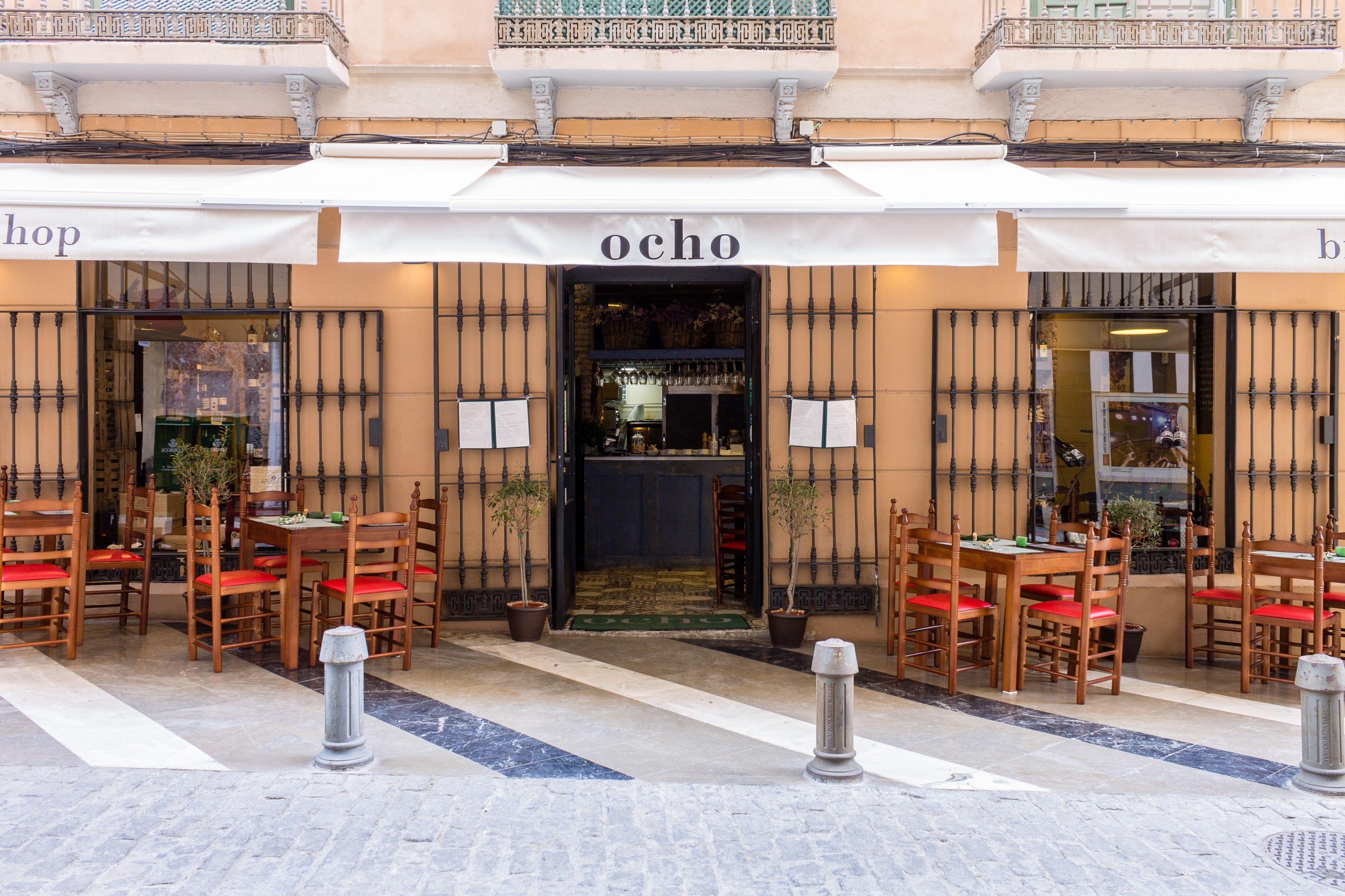 Entrada principal del Restaurante Ocho