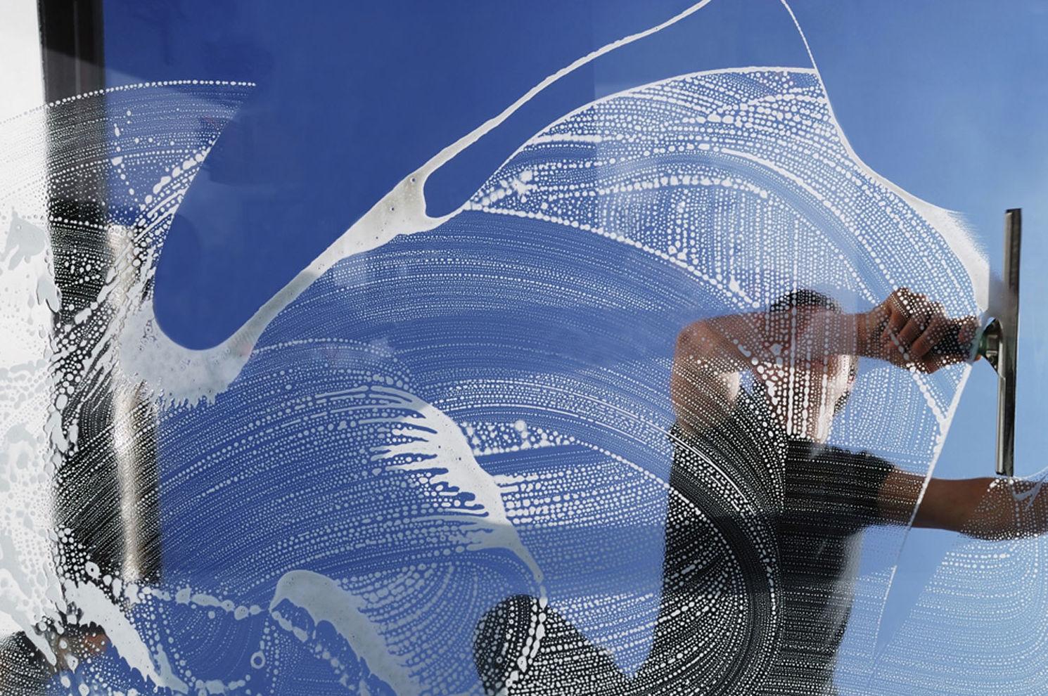 Limpieza de cristales y ventanas en Bizkaia