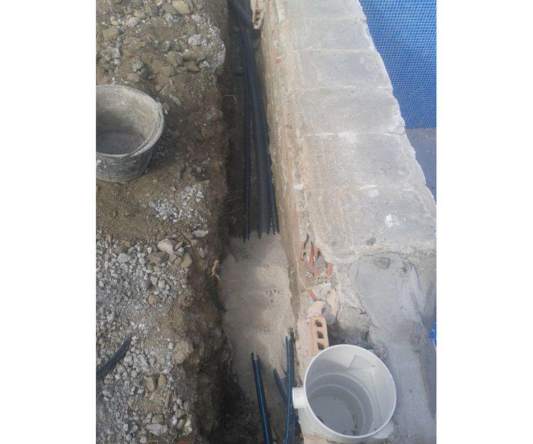 Instalación de canales de agua