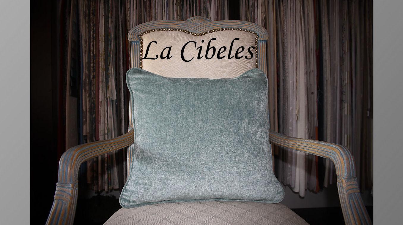 Cojín terciopelo azul: Catálogo de La Cibeles
