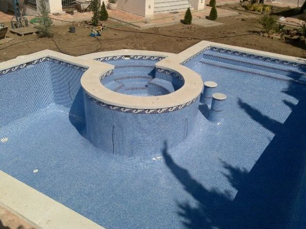 Construcci n de piscinas en ja n piscinas hidalgo for Construccion de piscinas temperadas