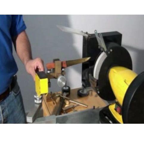 Claumar. Máquina semiautomatica: Productos y servicios de Technicclau