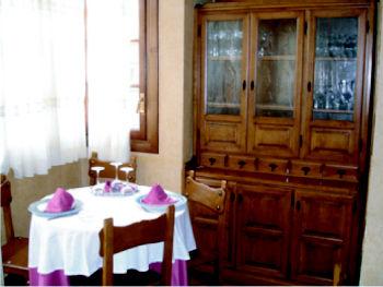 Foto 12 de Cocina castellana en Carbonero el Mayor | Bar Restaurante Los Mellizos