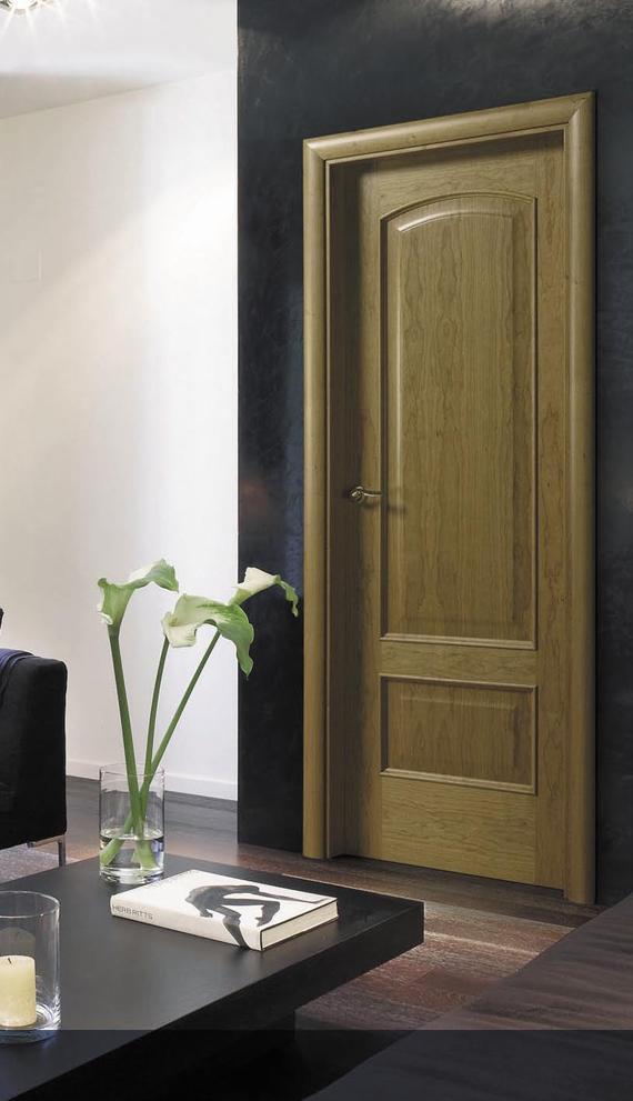 Puerta modelo N-373-R en madera de Cerezo