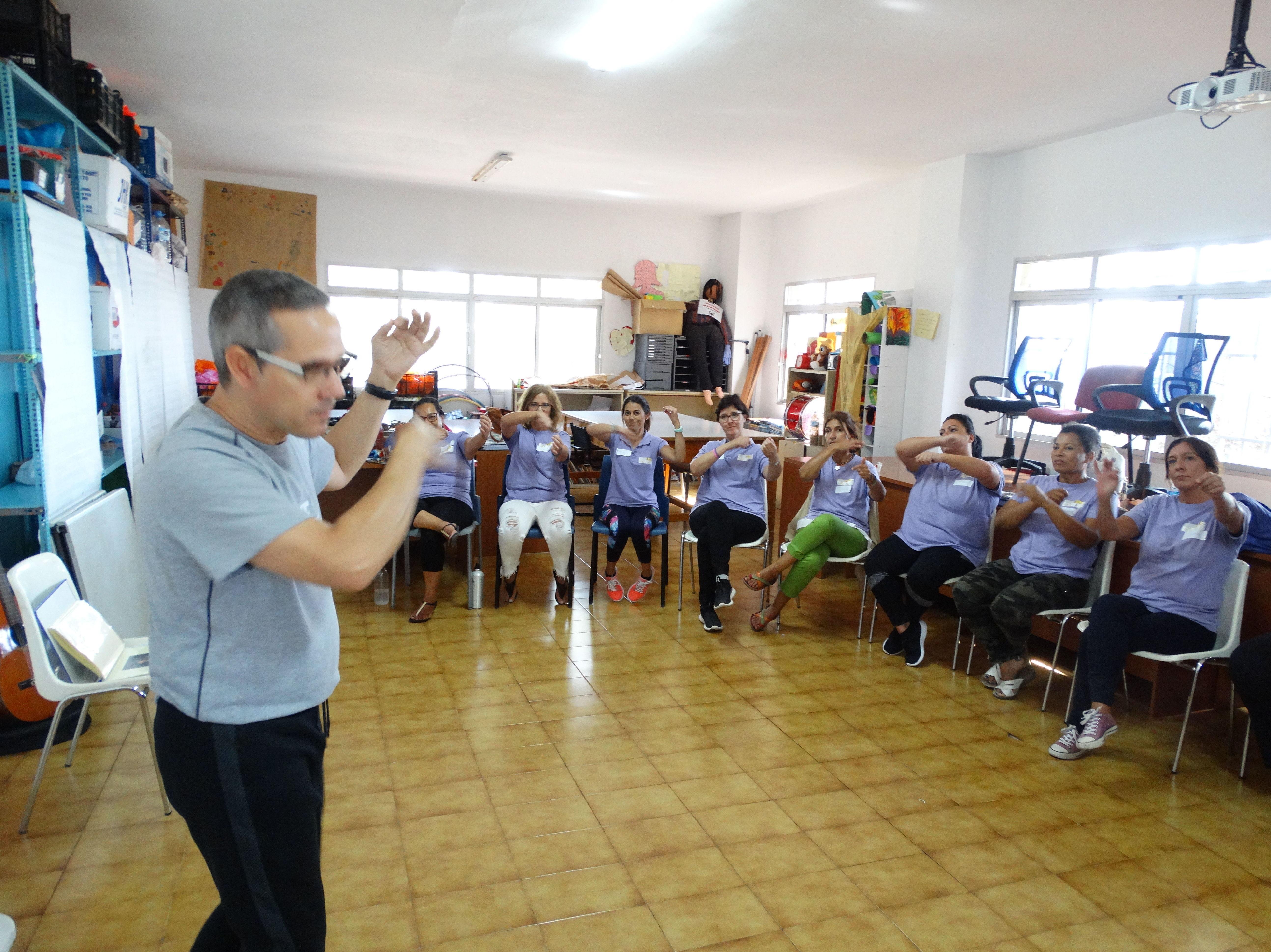Expresión, música y movimiento:: Proyectos y Servicios de Asociación Domitila
