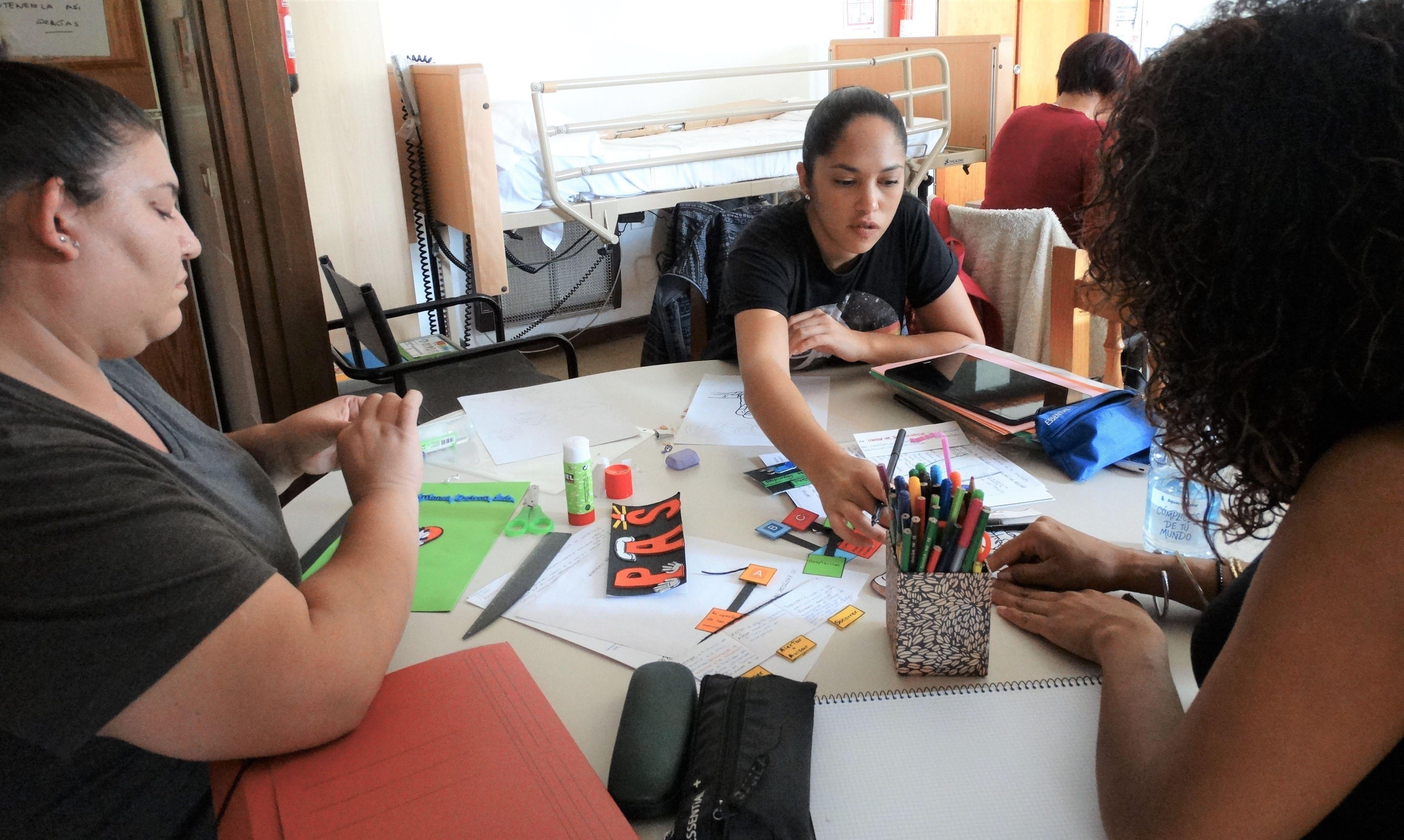 Foto 6 de Asociación sin ánimo de lucro especializada en la promoción de Igualdad de Oportunidades en Santa Cruz de Tenerife | Asociación Domitila