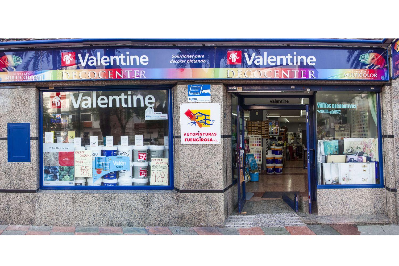 Fachada de la tienda de pintura en Fuengirola
