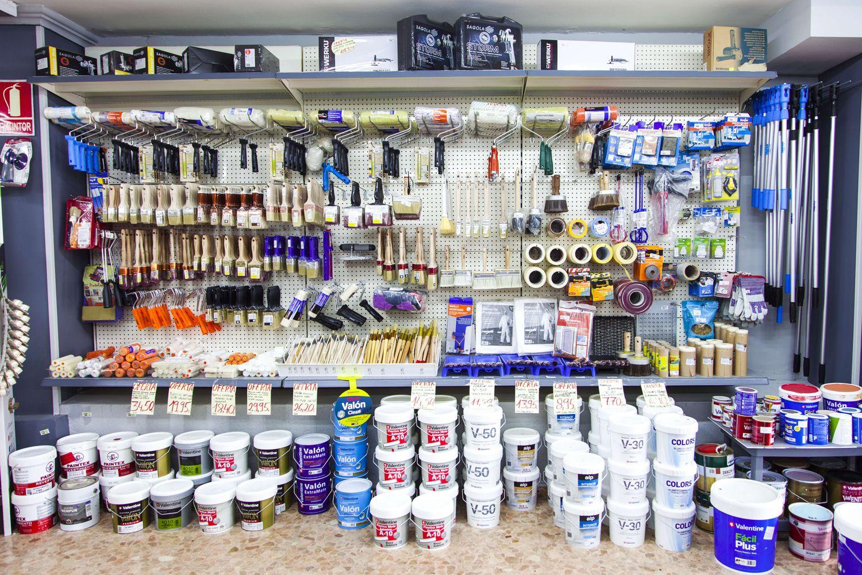 Materiales y pinturas en nuestra tienda de Fuengirola