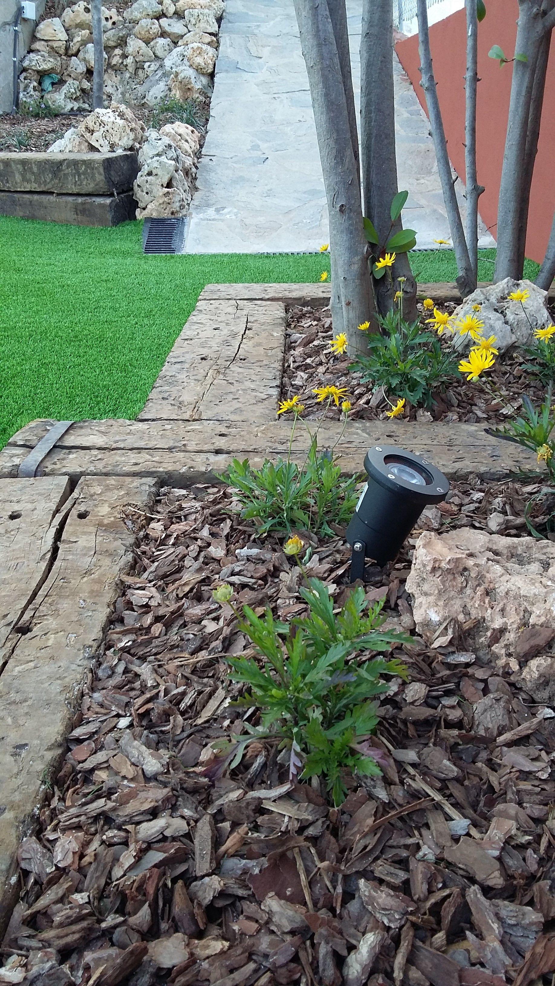 Foto 96 de Diseño y mantenimiento de jardines en Olesa de Montserrat | Jardiart