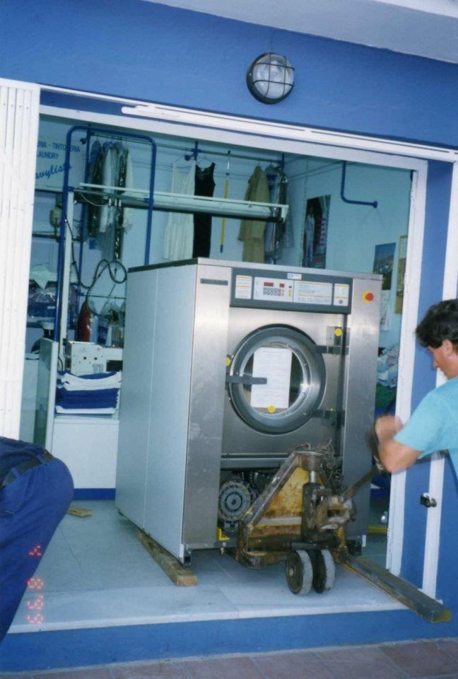 Foto 16 de Tintorerías y lavanderías en Marbella | Lavandería Tintorería Lavylisto
