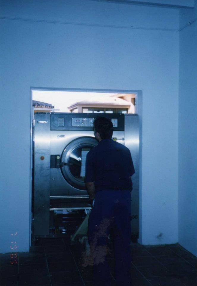 Foto 22 de Tintorerías y lavanderías en Marbella | Lavandería Tintorería Lavylisto