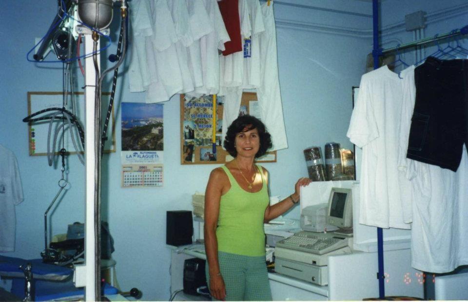 Foto 17 de Tintorerías y lavanderías en Marbella | Lavandería Tintorería Lavylisto