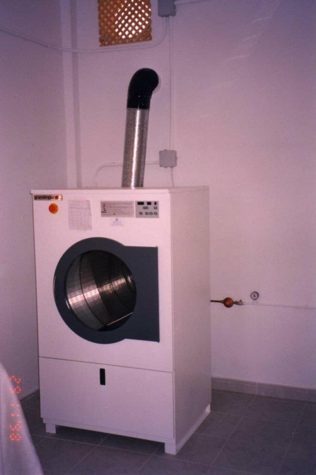 Foto 23 de Tintorerías y lavanderías en Marbella | Lavandería Tintorería Lavylisto