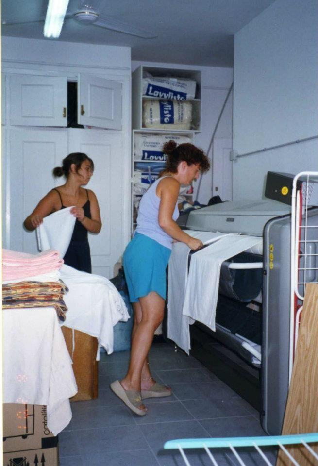 Foto 3 de Tintorerías y lavanderías en Marbella | Lavandería Tintorería Lavylisto